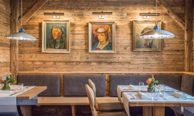 Hotel Restaurant Krüner Stubn Gaststube Gemälde