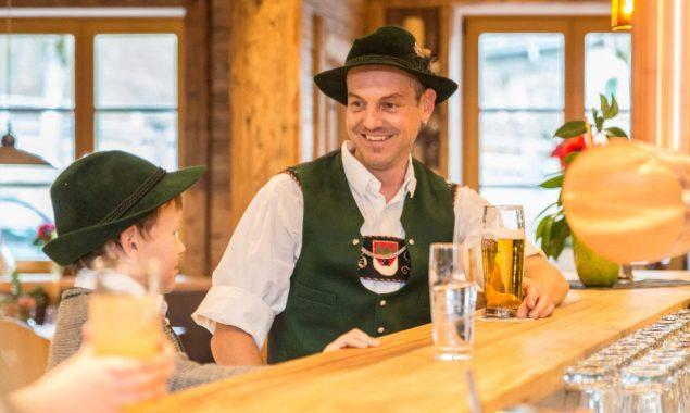 Hotel Restaurant Krüner Stubn Gaststube Theke